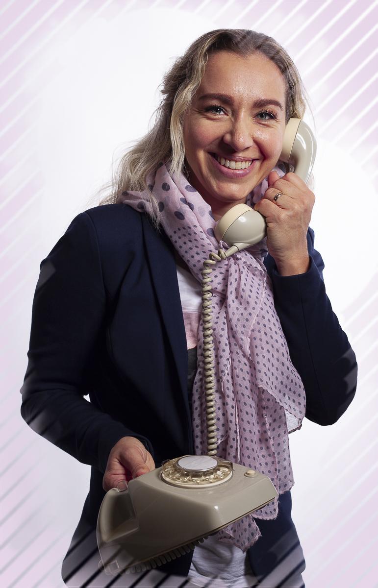 Bedrijfsportret voor Overwegend Notariaat Receptioniste Laura Bewerkt voor website