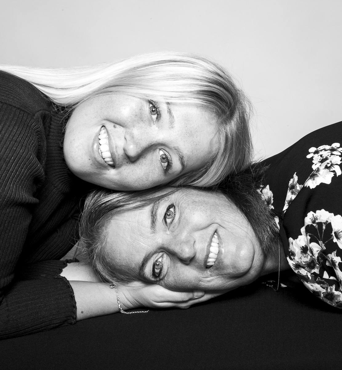 Studio photoshoot Sanne en Annelies