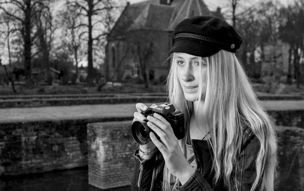 Romy fotografeert zwart-wit