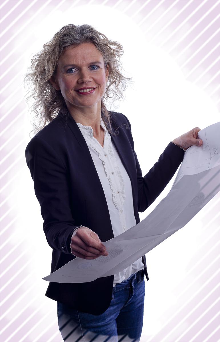 Overwegen Notariaat Zakelijk Portret Anita