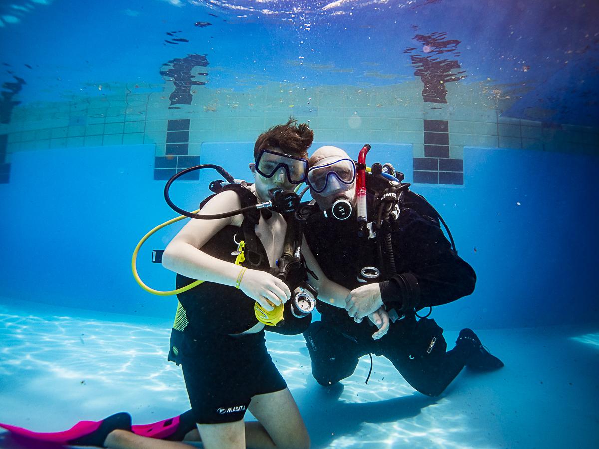 Was jij onderwater in Sint Pancras op Koningsdag? Hoofdfoto